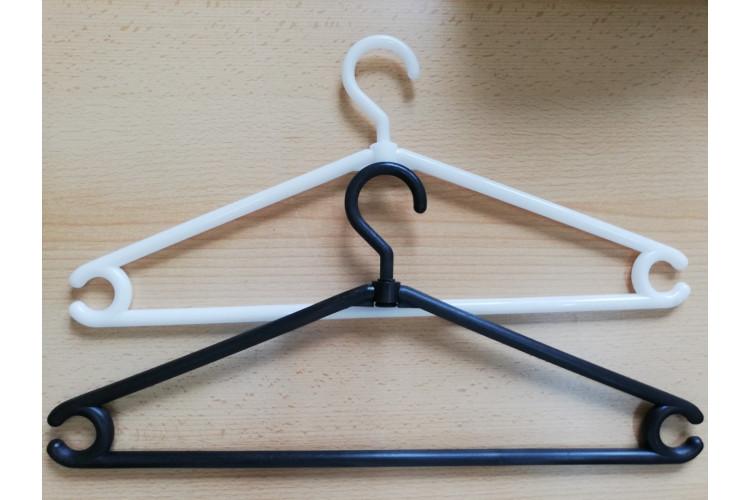 Plastové ramínko na oděv
